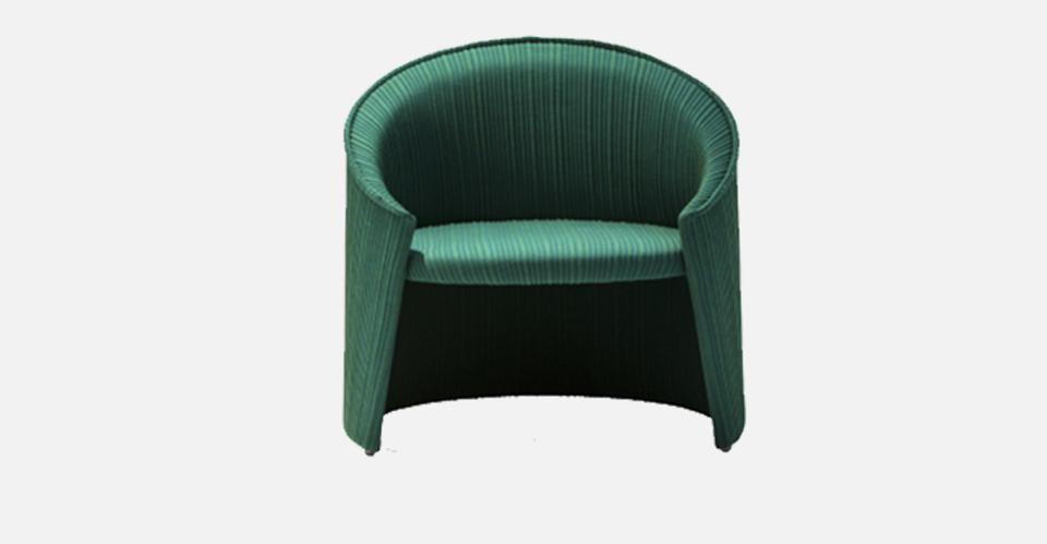 truedesign_moroso_husk_solid_armchair