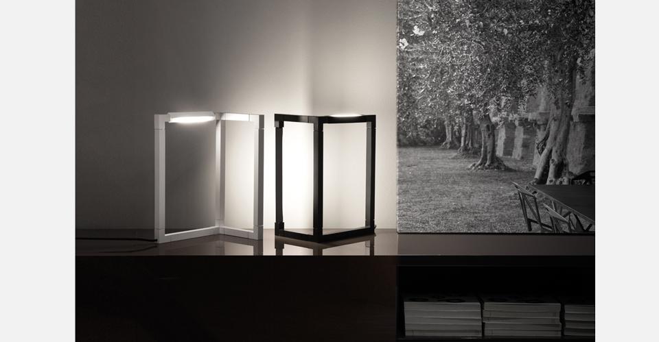 Spigolo-xs_amb_white-and-black